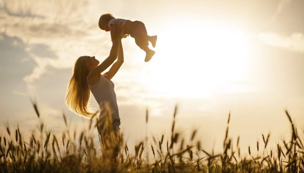 майка-дете-ангел
