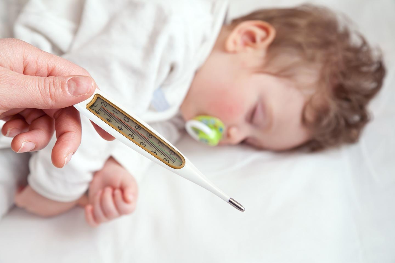 Температура при бебетата и малките деца