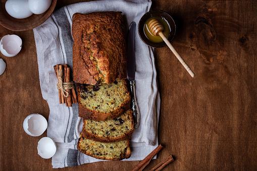 Сладък Бадемов хляб с тиквички