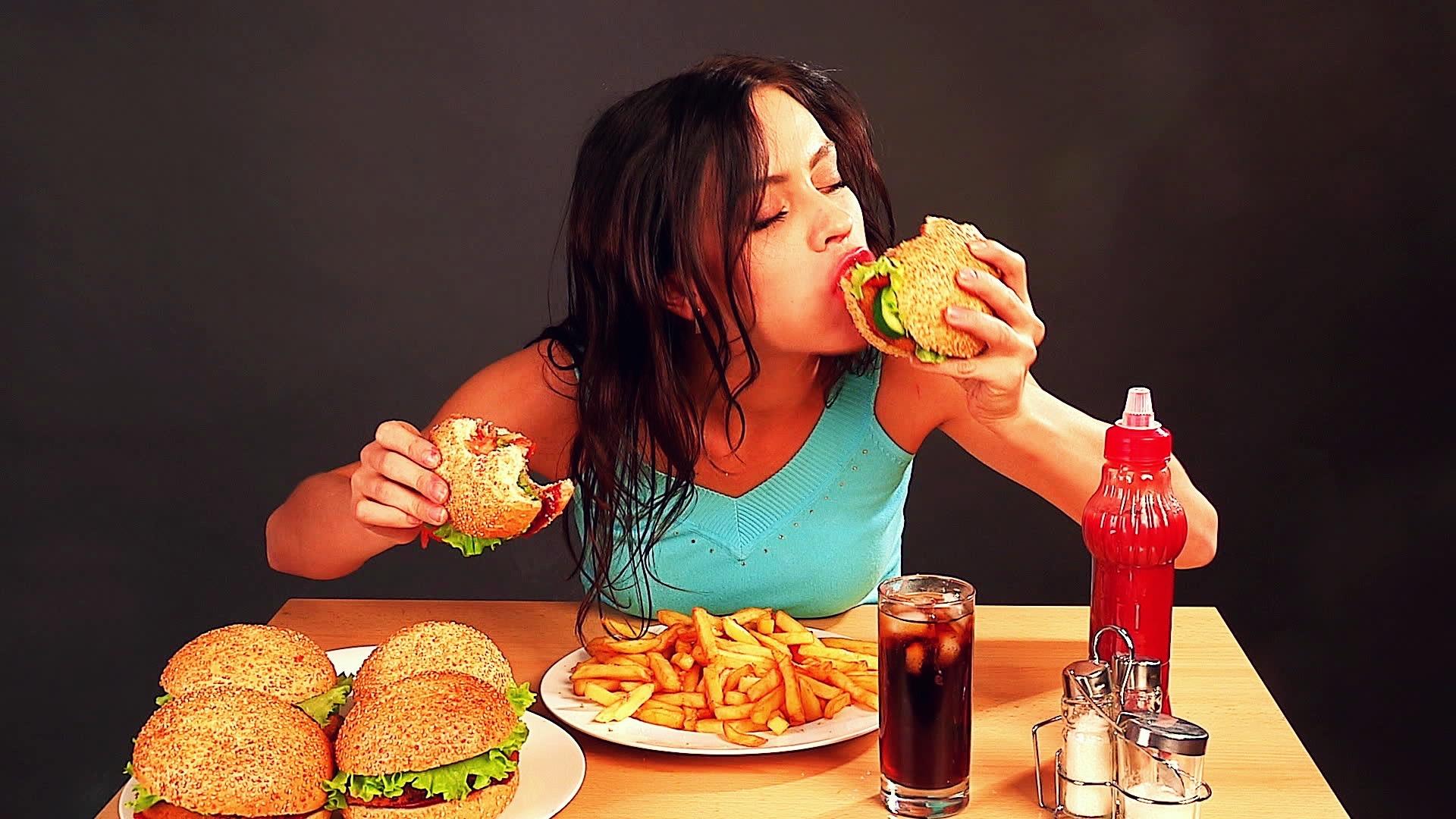 Емоционално хранене