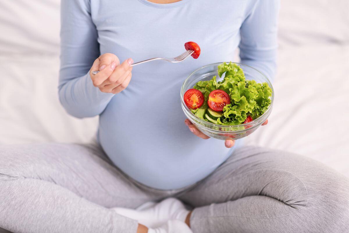 Бременна или кърмеща? Хранителните вещества, от които се нуждаете